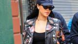 Dit is de jacket die Rihanna in New York aantrok die nu zo gewild is